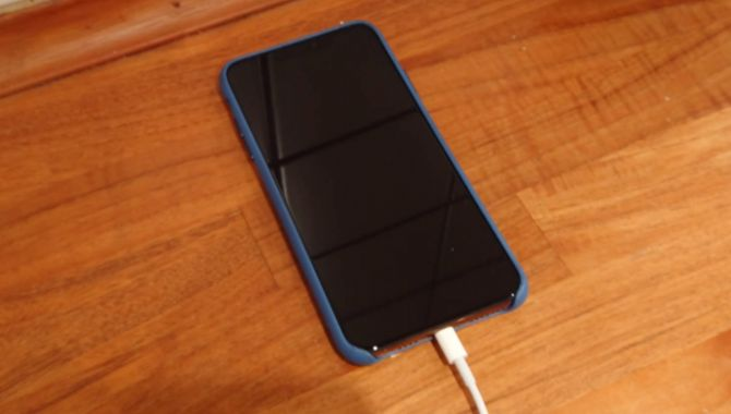 Afstemning: Hvornår oplader du din mobil?