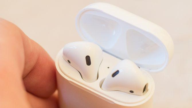 Rygte: Apple AirPods 2 kan oplades på et kvarter