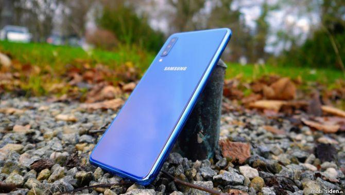 Samsung taber kampen om mellemklasse mobilerne
