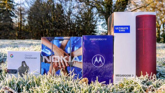 Adventskonkurrence: Vind en Motorola One og Airmates