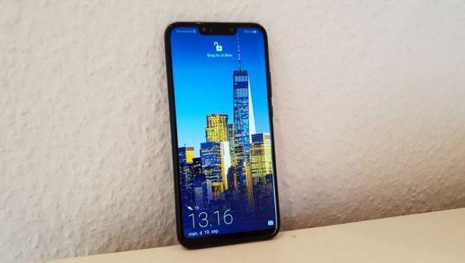 Huawei lancerer den første telefon i Mate 20-serien
