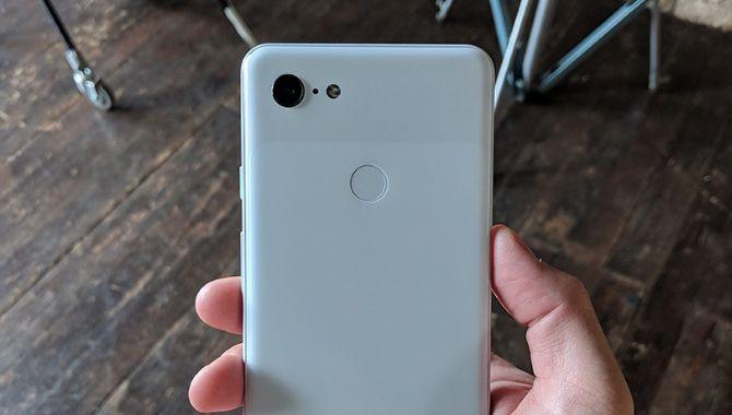 Et parti Google Pixel 3 XL er stjålet og lækket overalt