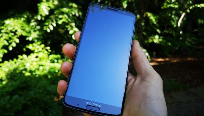 Konkurrence: Vind en Motorola G6 Plus