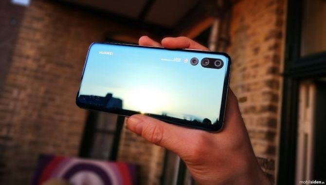 Huawei: Vi fandt på skærmhakket lang tid før Apple