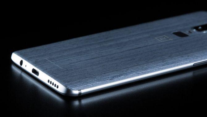 evleaks afslører knivskarpt billede af OnePlus 6