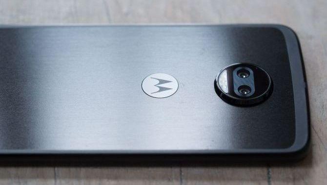 Motorola Moto Z2 Force – Topmobil med et twist [TEST]