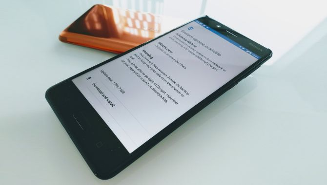 Nu ruller Android 8.0 Oreo ud til Nokia 8
