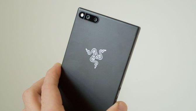 Razer Phone: Kantet gamermobil med superdisplay [TEST]