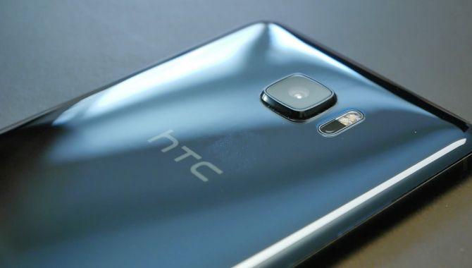 HTC arbejder på kantløs U11 Plus