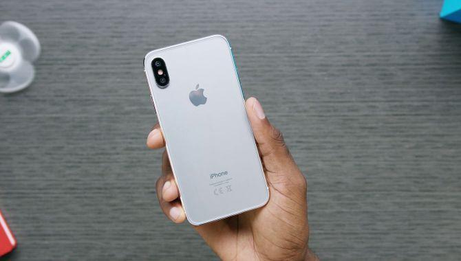 Overblik: iPhone 8 i problemer, kantløs mobil bliver til