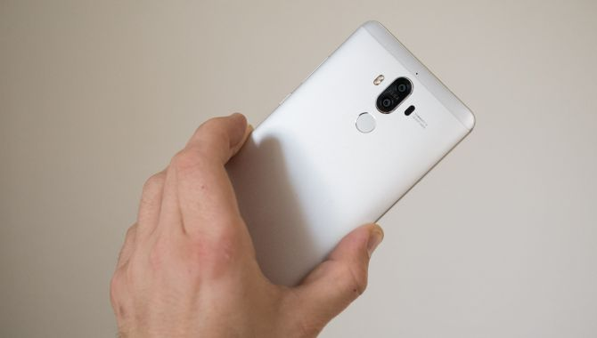 Huawei Mate 10 får 'kantløs' display