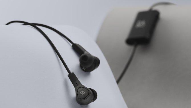 Beoplay E4: Stilfulde øretelefoner med aktiv støjreduktion