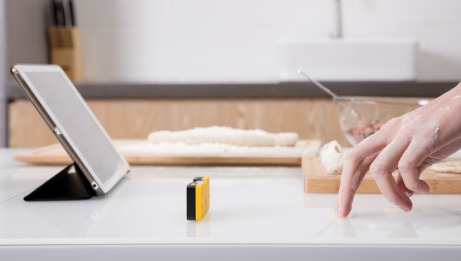 Kickstarter: Forvandl dine møbler til smart-skærme