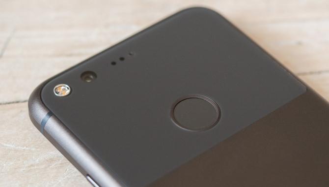 Google vil investere 6 mia. kr. i LG-skærme til nye Pixel-mobiler