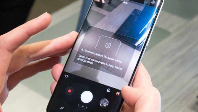 Samsung Galaxy S8 minder dig om at gøre kameraet rent