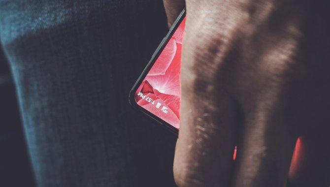 Android-grundlægger teaser for 'enestående' Android-topmodel