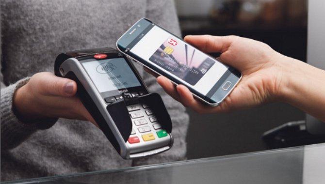 Nu kan du bruge Dankort på mobilen de første steder