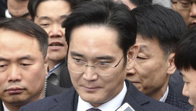 Samsung-topchef anholdt for korruption