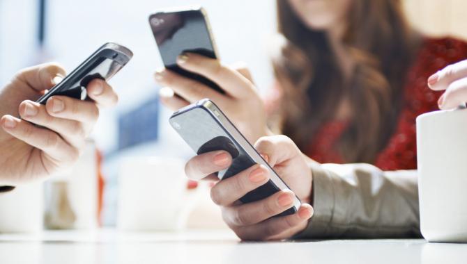 EU fjerner afgifter på mobildata allerede denne sommer