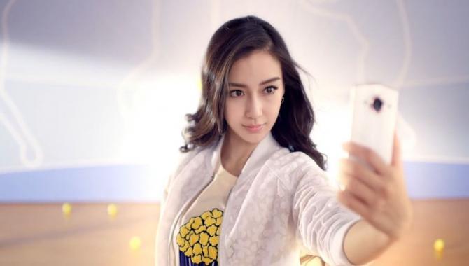 Eksperter advarer: Vogt dig for ny populær selfieapp