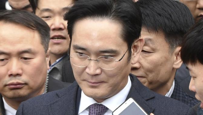 Samsung-chef slipper for fængsling