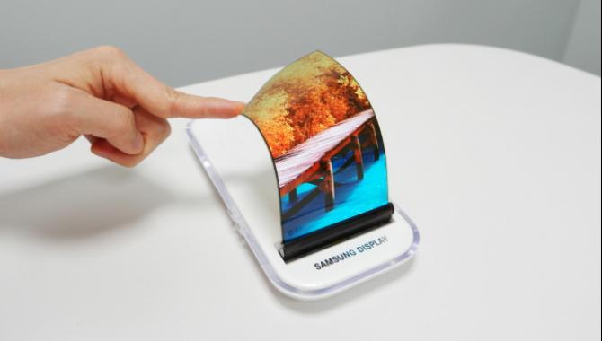 Samsung arbejder på kantløs display til Galaxy S8