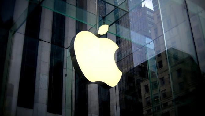 Apples årsomsætning falder for første gang i 15 år