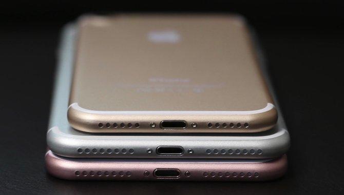 Ingen stereohøjttalere i iPhone 7 trods skrottet minijack-port