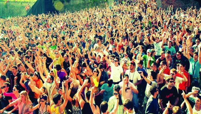 3: Roskilde Festival sætter ny datarekord