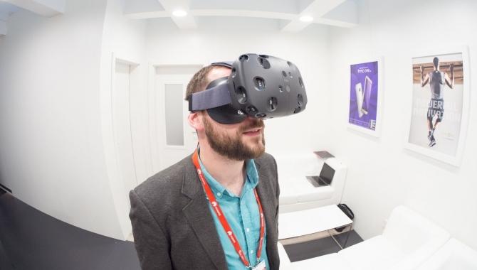 Eksklusiv test af HTC Vive: Så godt virker det nye VR-headset