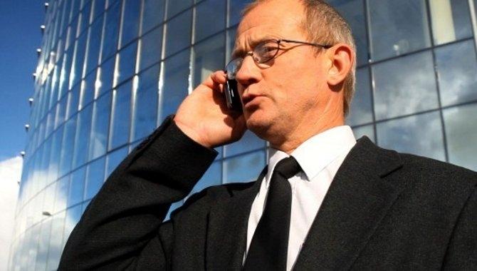 EU's roamingafgifter forsvinder ikke før 2018
