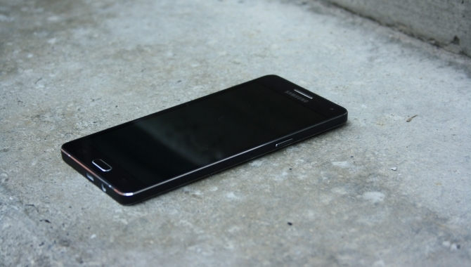 Samsung Galaxy A5: Førsteklasses stil i mellemklassen [TEST]