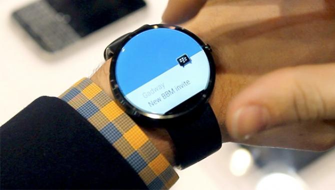 Smartwatches med Android Wear sælger for lidt