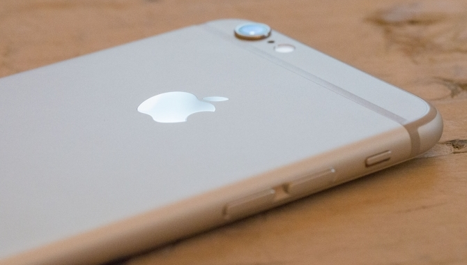 Apple iPhone 6: Den gyldne middelvej [TEST]