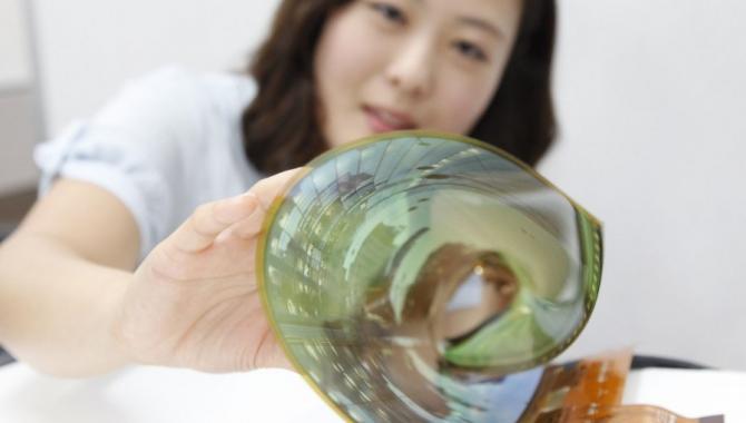 Se LG's nye gennemsigtige og bøjelige skærme