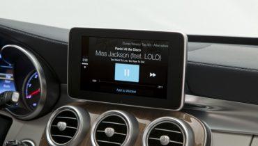 """Mercedes' """"tablet"""" på instrumentbordet huser CarPlay – se videoen her"""