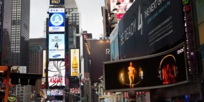 Samsung reklamerer for Unpacked-event rundt i verden