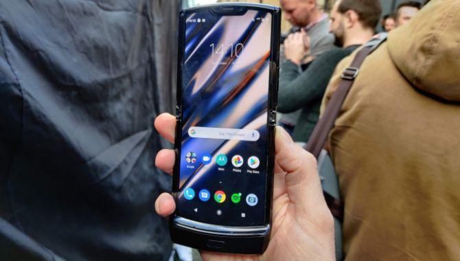 Motorolas første foldbare-mobil forsinket