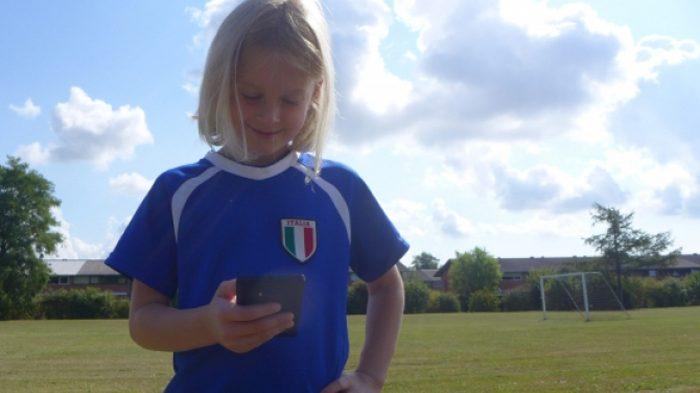 Guide: Barnets første mobil – hvornår, hvordan og gode råd