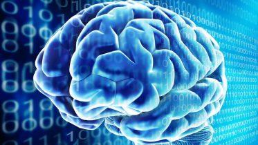 Banebrydende AI-implantat i hjernen oversætter tanker til tale