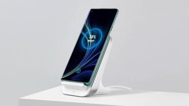 Test: OnePlus Warp Charge 30 trådløs oplader – praktisk og hurtig