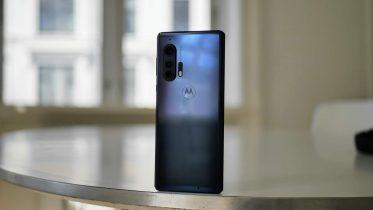 Testen er i gang: De første dage med Motorola Edge+