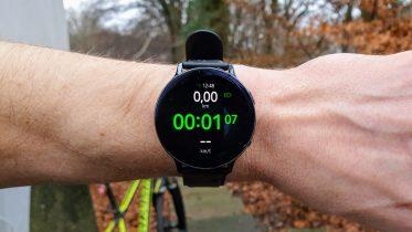 Samsung på vej med to smartwatches med Wear OS