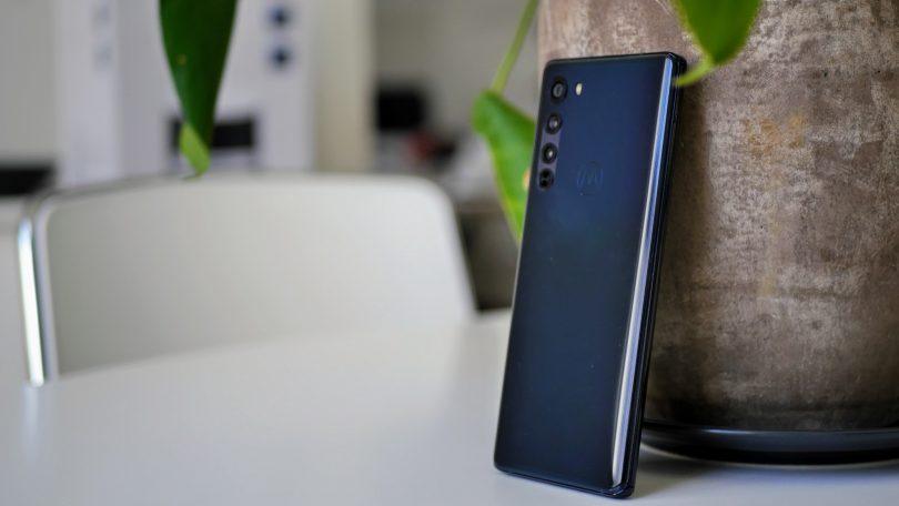 Test: Motorola Edge – Topmobil til billigere penge