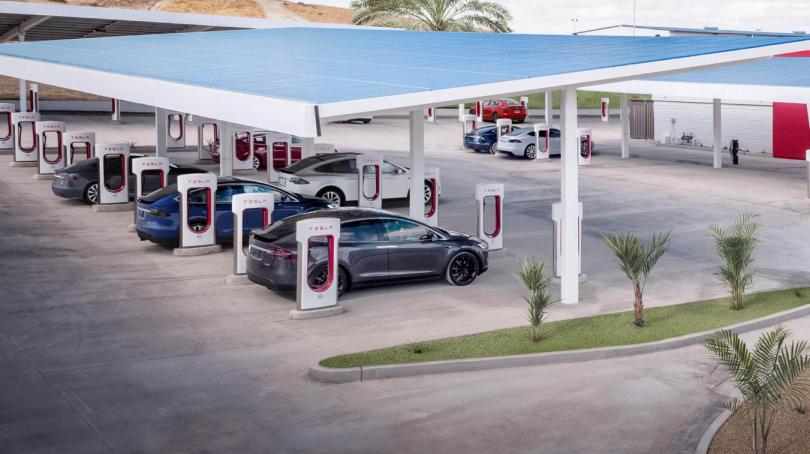 Tesla åbner ny Supercharger-fabrik