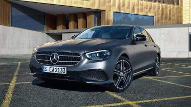 19 sårbarheder lod hackere fjernstyre en Mercedes-Benz E-Klasse