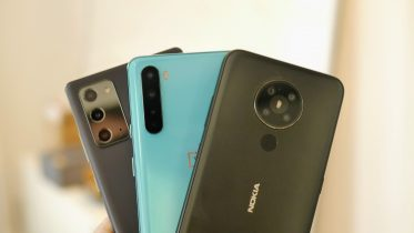 Kamera-test: Topmodel mod billigere telefoner – se forskellen