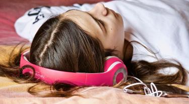 De bedste mobilabonnementer med inkluderet musikstreaming
