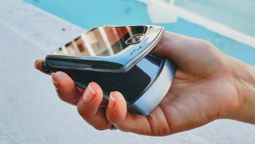 De første test af Motorola Razr 5G – en blandet oplevelse