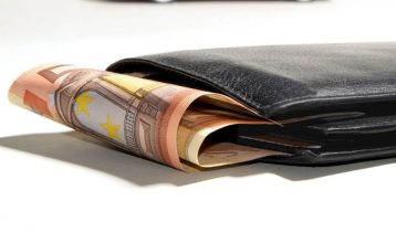 Hvorfor er mobilabonnementer hos Yousee, Telia og 3 dyrere?
